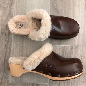 UGG Australia US 8 Sheepskin Fur Wood Clogs Mules